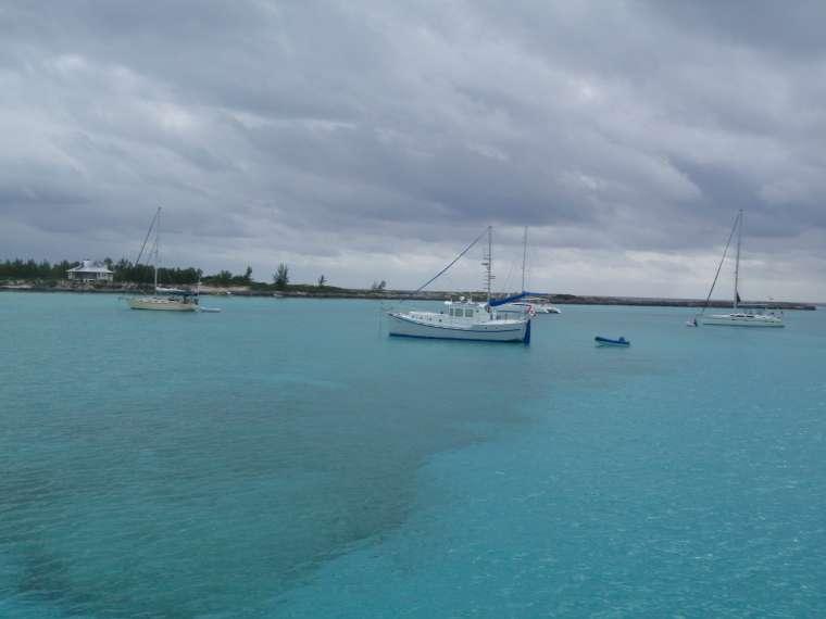 Diesel Duck - Friends, Benno and Marlene, we met atr Fraser Hog Cay